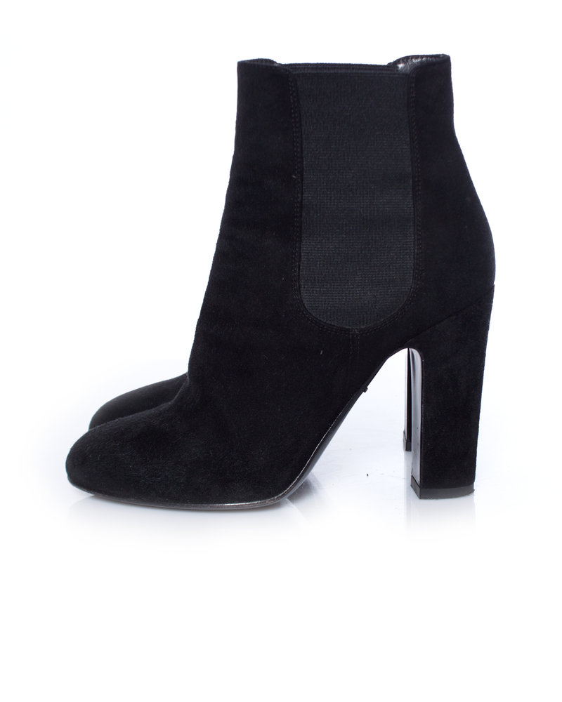 Dolce & Gabbana Dolce & Gabbana, Black suede heeled chelsea boots.