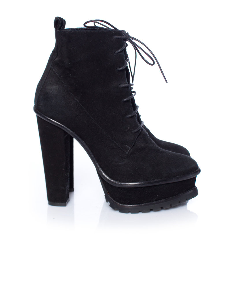 Karl Lagerfeld Karl Lagerfeld, Black suede lace-up platform boots in size 37.