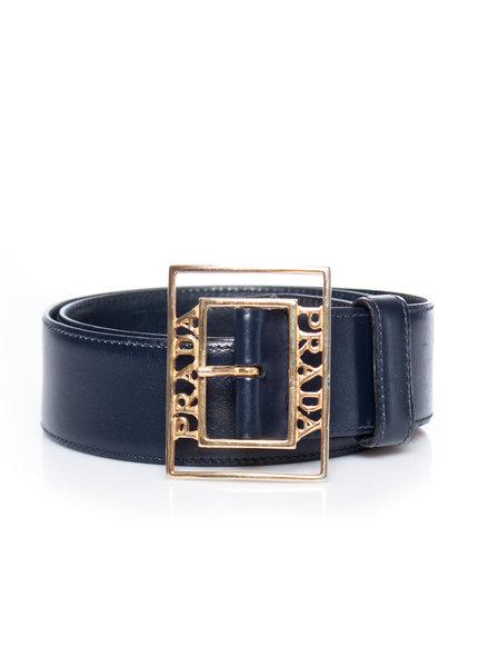 Prada Prada, vintage donkerblauwe lederen riem met gouden merknaam gesp in maat 75/S