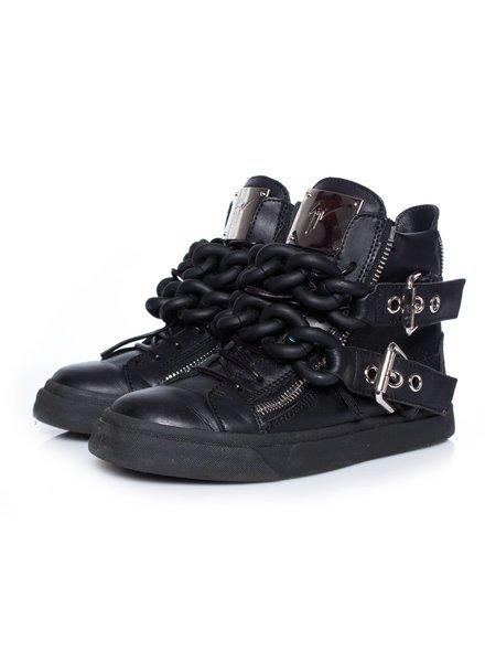 Giuseppe Zanotti Giuseppe Zanotti, zwarte leren high-top sneakers met dubbele ketting.