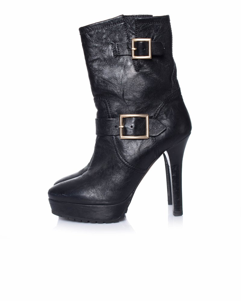 Jimmy Choo Jimmy Choo, Black leather boots with golden buckles.