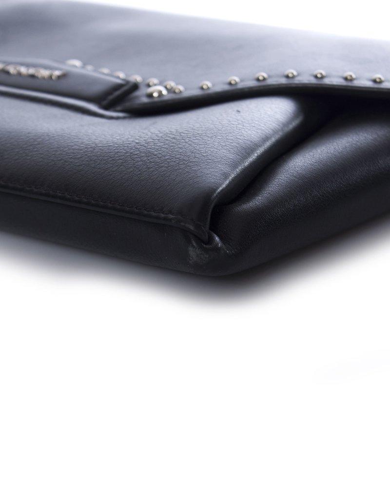 Givenchy Givenchy, Antigona lederen enveloptas met studs
