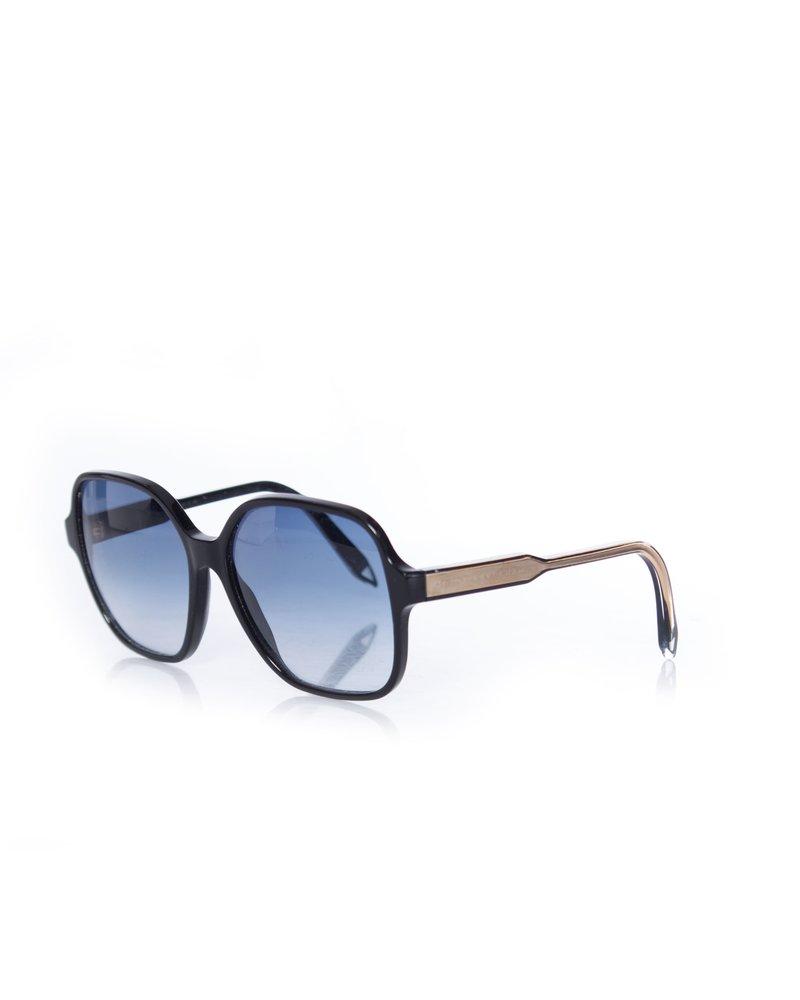 Victoria Beckham Victoria Beckham, Iconic Square Sunglasses.