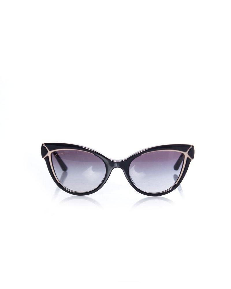 Bvlgari Bvlgari, zwarte cat-eye gradiënt zonnebril.