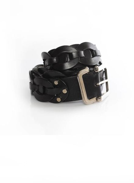Yves Saint Laurent Yves Saint Laurent, black leather belt with silver buckle in size 90.