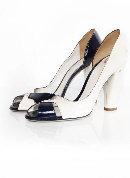 Dolce & Gabbana D&G, wit met donkerblauw hoogglans leren peep-toe pump in maat 39.