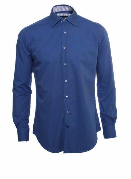 Profoumo Profoumo, blue shirt.