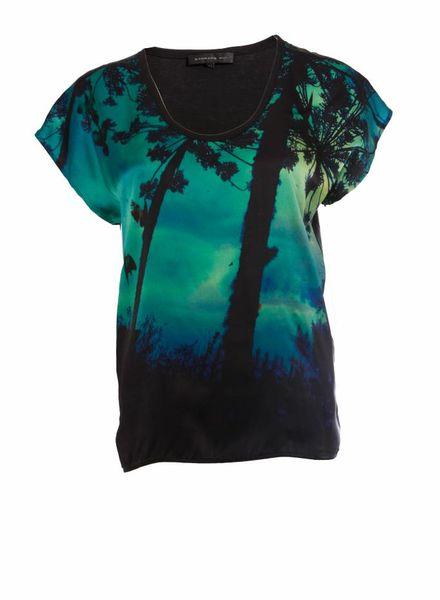 Barbara Bui Barbara Bui, Zwart t-shirt met groenkleurig digitale print afruk in maat XS.