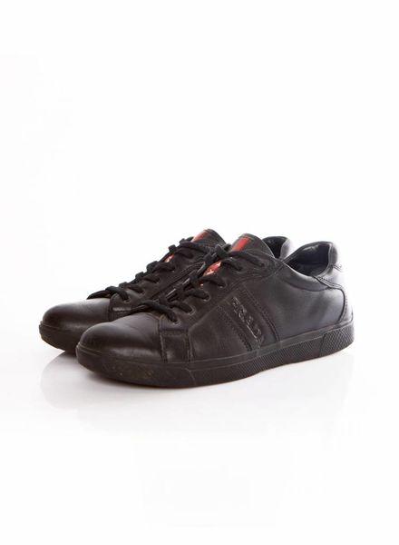Prada Prada, zwart leren sneaker met prada logo in maat 37.5.