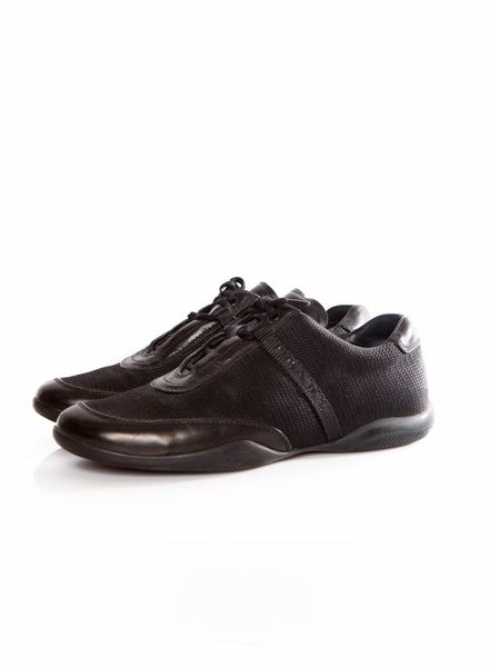 Prada Prada, zwarte sneaker in leer en stof met prada logo in maat 37.