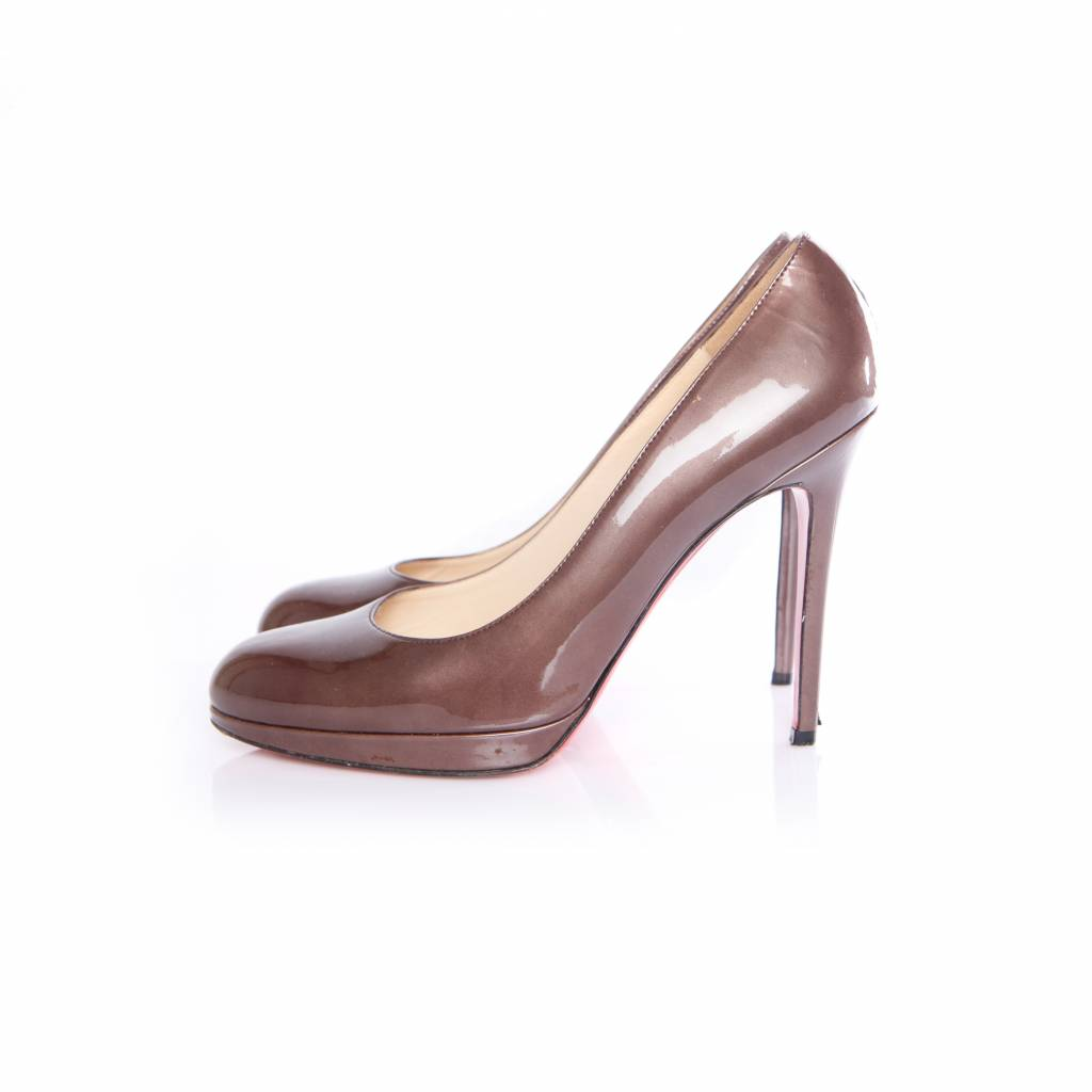 best service 713e6 aa108 Christian Louboutin Christian Louboutin, brown/antrecite colored pumps in  patent leather in size 40.5.