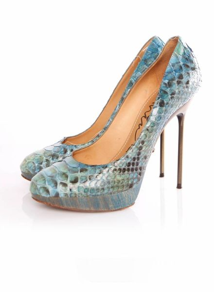 Lanvin Lanvin, turqouise python pumps in size 39.5 from the Spring 2011 collection.