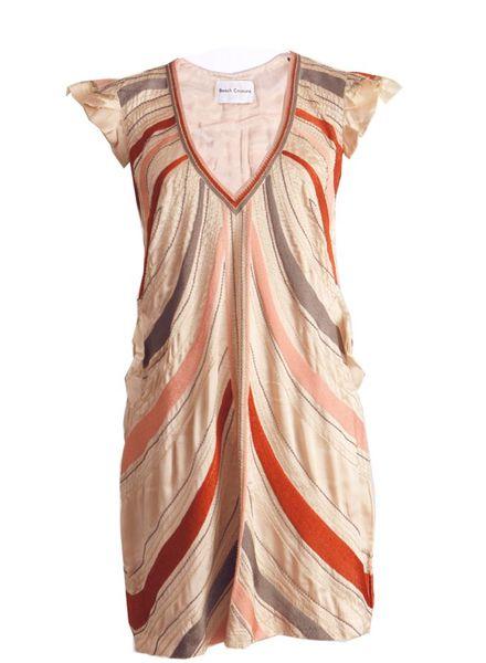 Beach Couture Beach couture,  satijnen jurk met decoratie.