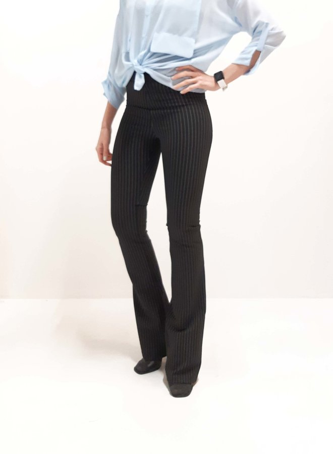 Black flared pants extra length / long