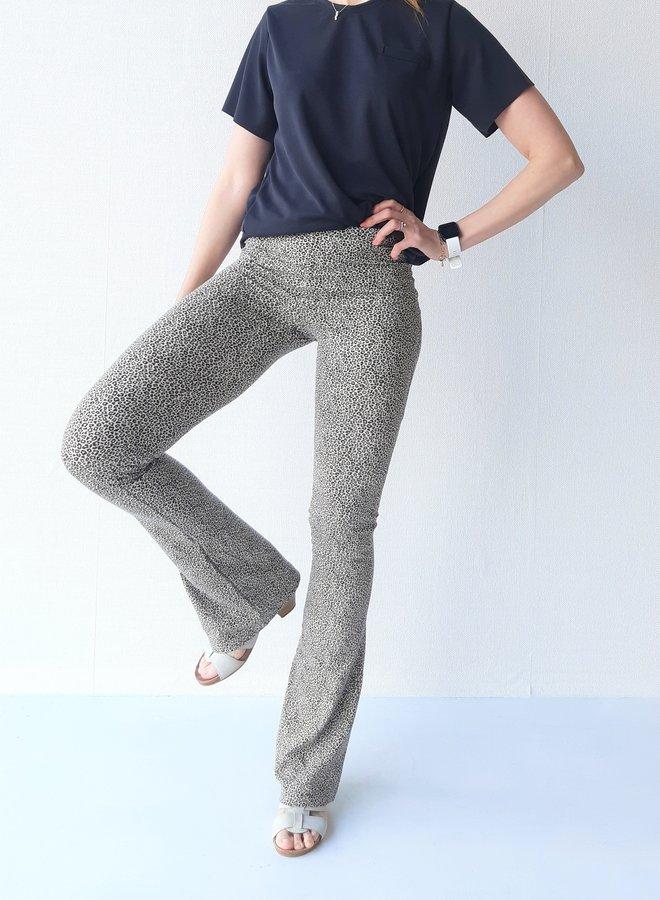 Ecru panterprint flared pants