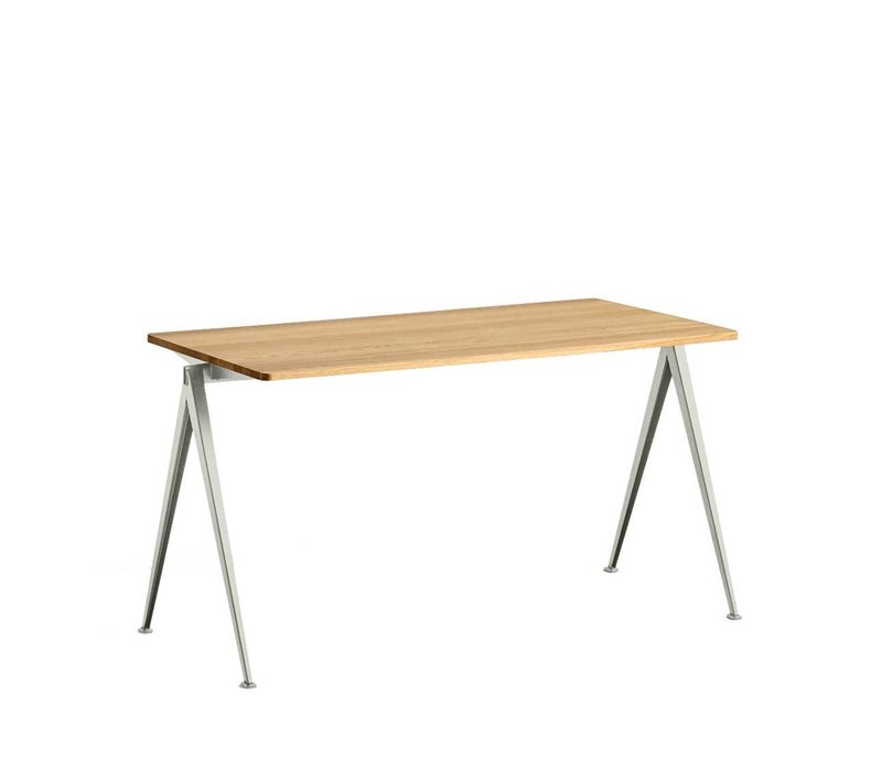 Pyramid Table Tafel 01 Beige frame