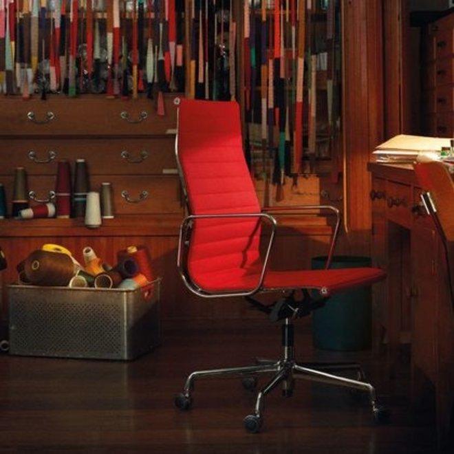 Aluminium Chair EA 117