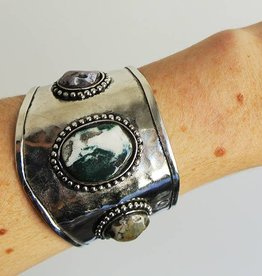 Shantique design Gemstone cuff