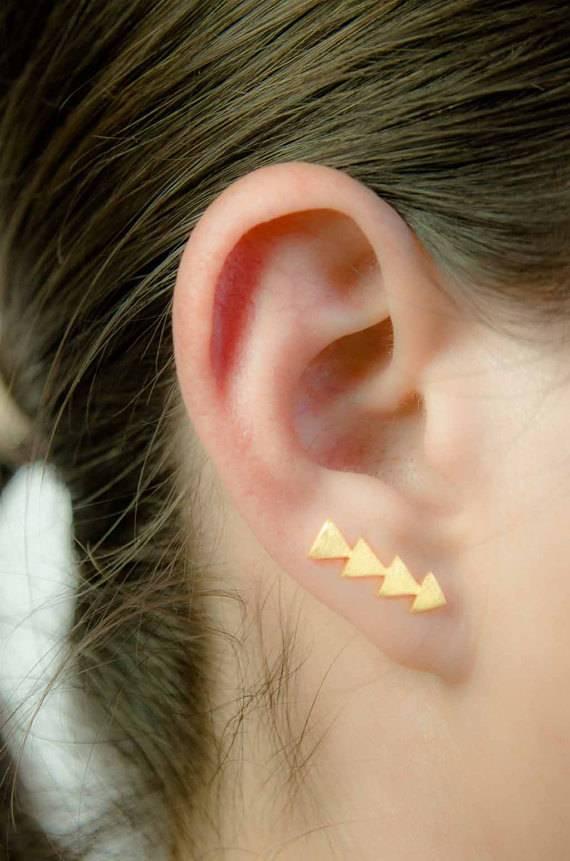 Lunai Triangle earpin