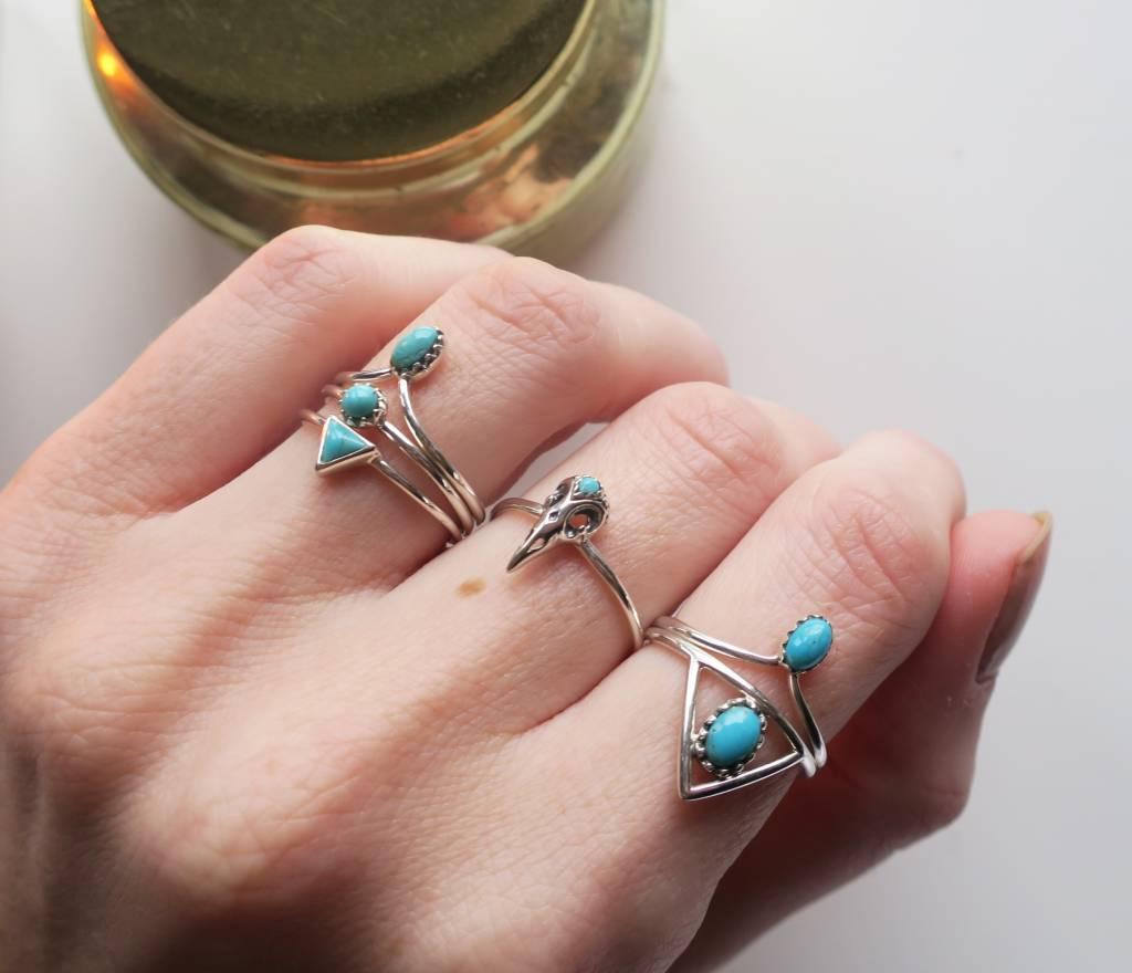 Midsummer Star Eye Triangle Ring
