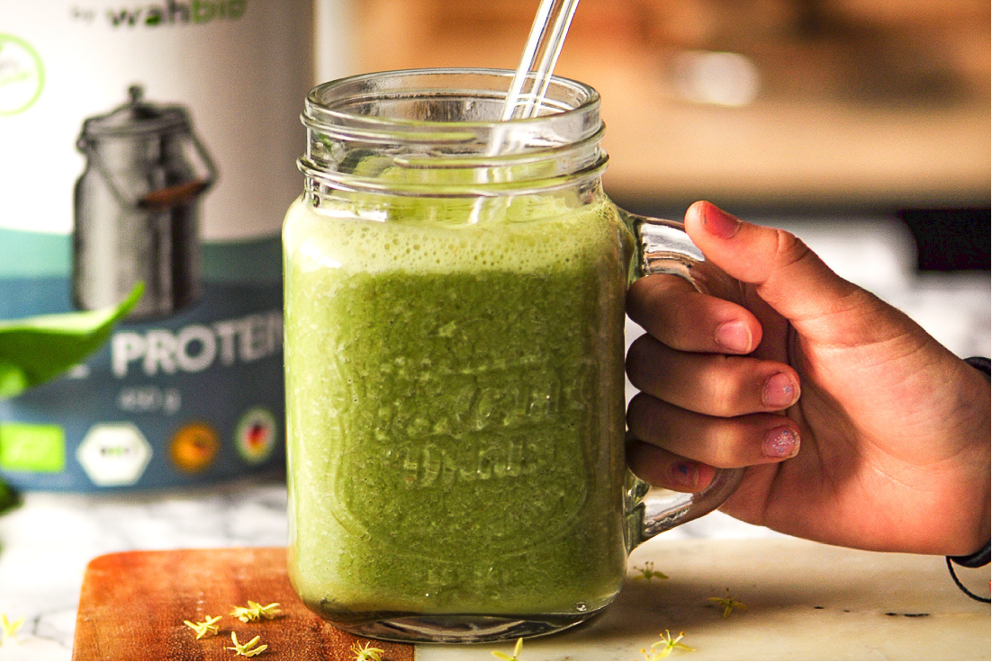 Organic Muscle Spinach Smoothie