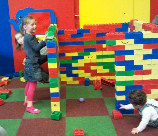 briques géantes pour une aire de jeu et des collectivités