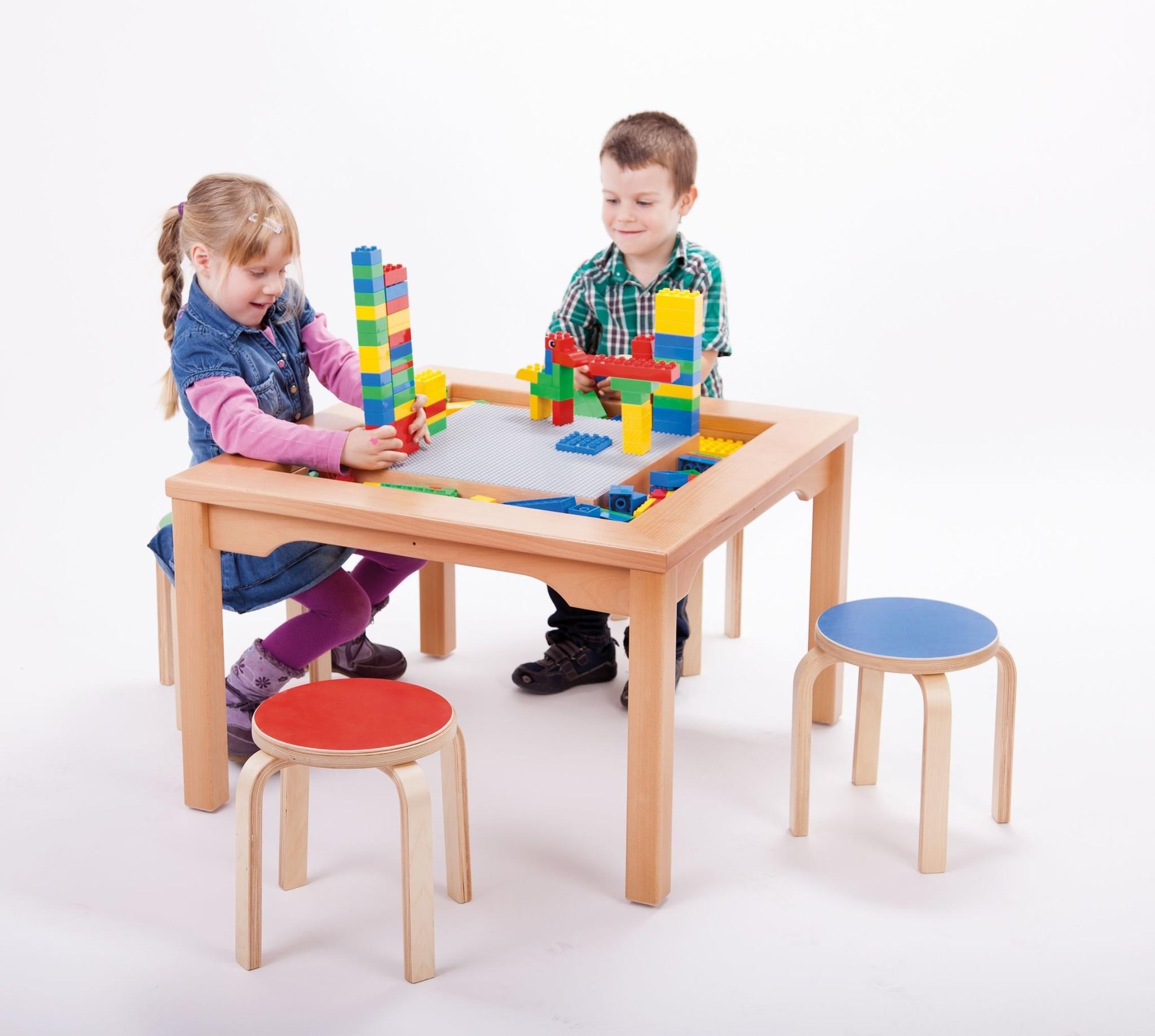 LEGO DUPLO Tisch Mit 4 Stühlen Und 144 DUPLO