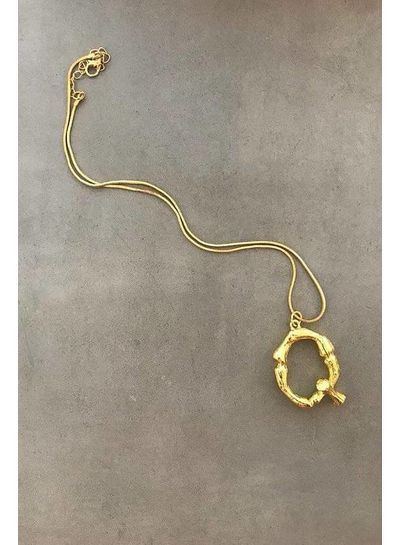 Adamarina Q - Colgante letra dorado con cadena