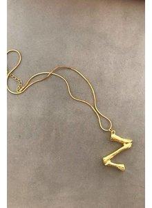 Adamarina Z - Colgante letra dorado con cadena