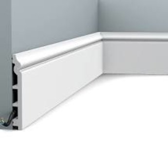 SX118 Plint Orac Decor L200 x H200 x D1,8cm