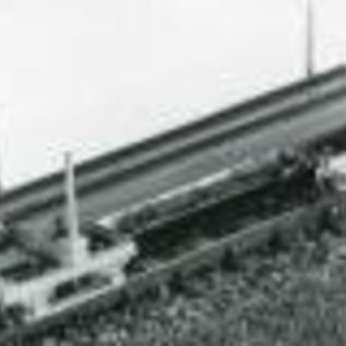 "Parkside Dundas Parkside Dundas DM26 ""Two Hudson Single Bolster Wagons With H Girder Load"" (Spur OO9/HOe)"