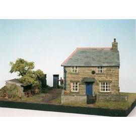 Wills Wills Craftsman Series Kit CK10 Farm Cottage Scene (Gauge H0/00)