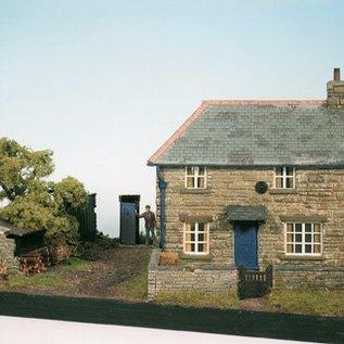 Wills Wills Craftsman Series Kit CK10 Farm Cottage Scene (Gauge H0/00)
