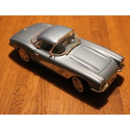 Ertl Collectibles 7834 American Muscle 1961 Chevrolet Corvette (scale 1:18)
