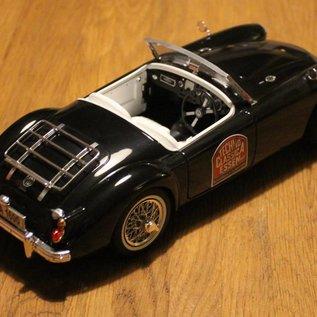 Revell Messemodell 2004 MGA Roadster (Massstab 1:18)