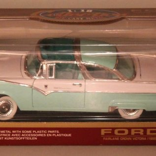 Ford 92138 1955 Ford Fairlane Crown Victoria (schaal 1:18)