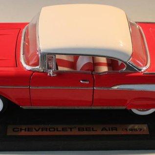 Road Legends 92109 1957 Chevrolet Bel Air (schaal 1:18)