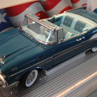 Ertl Collectibles 7498 American Muscle 1957 Chevrolet Bel Air (scale 1:18)