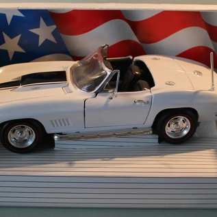 Ertl Collectibles 7491 American Muscle 1967 Corvette L-88 (Massstab 1:18)