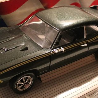 Ertl Collectibles 7328 American Muscle 1969 Pontiac GTO Judge (scale 1:18)