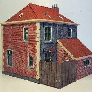 Tilly models 87036 House with annex H0
