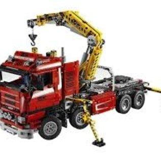 Lego 8258 großer 4 achsiger LKW mit Kran ** Sammlerstück **