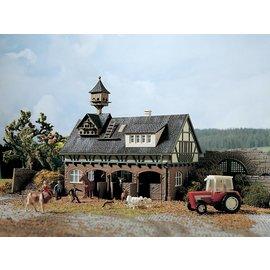 Vollmer Vollmer 43726 Stal met duiventil en paardenboxen (Schaal H0)