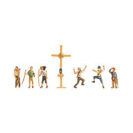 NOCH Noch 36874 Mountain Hikers with Cross (Gauge N)
