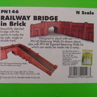 Metcalfe Metcalfe PN146 Spoorbrug in rode baksteen (Schaal N, Karton)