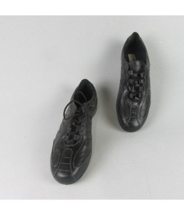 Easy Street Sneakers (36)