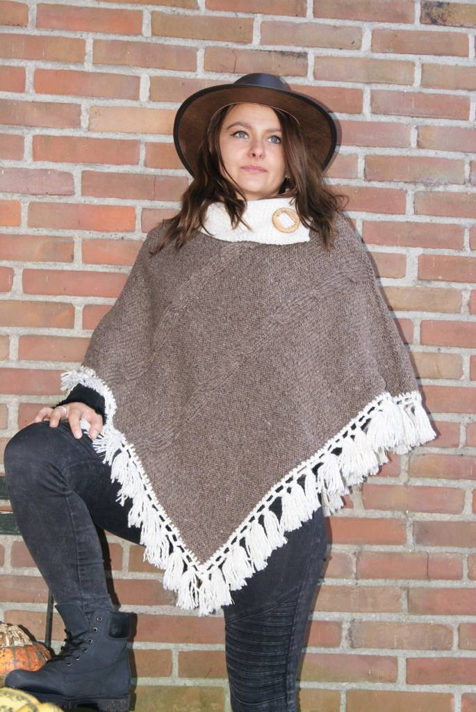 "Portugesewol  ""Baleal"" knitted wool poncho in brown / cream"