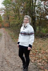 Portugesewol White pullover with double knit collar and knitted Norwegian pattern