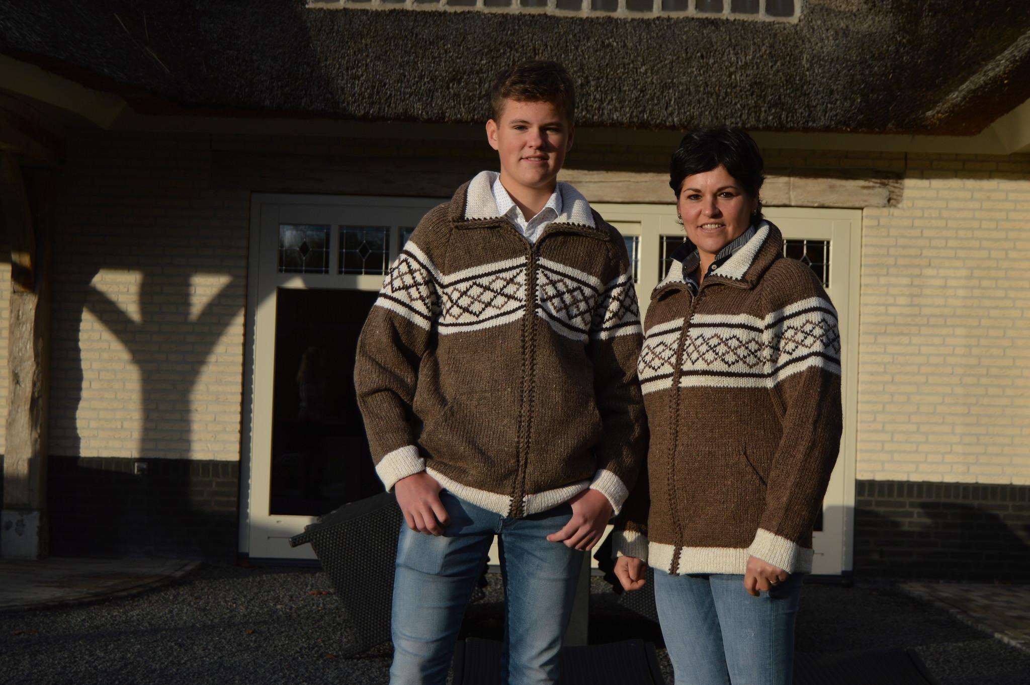 "Portugesewol brown woolen cardigan with zipper ""Douro"""