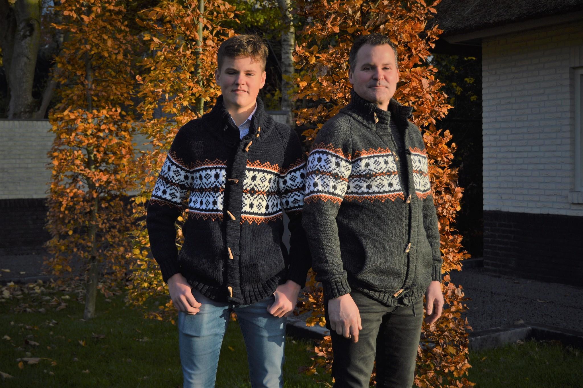 Portugesewol  Norwegian Cardigan 'Lamas ' grey